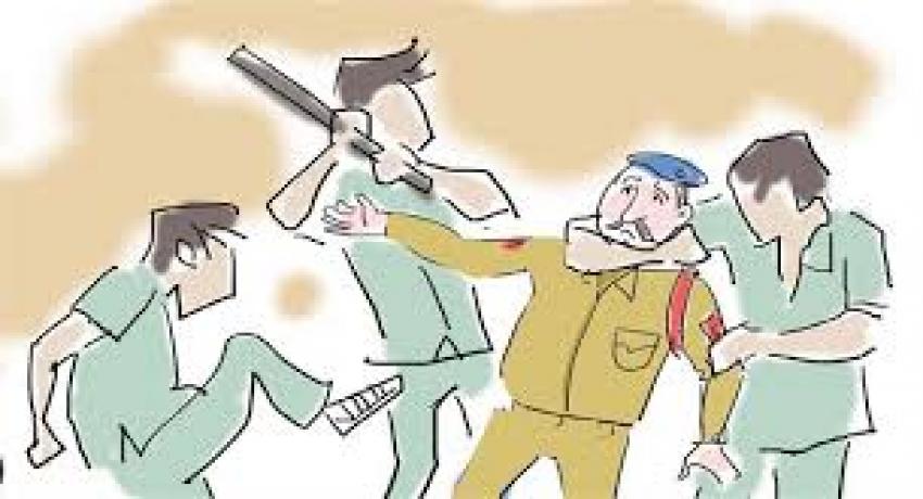 BASTAR : ग्रामीणों ने POLICE के साथ की मारपीट