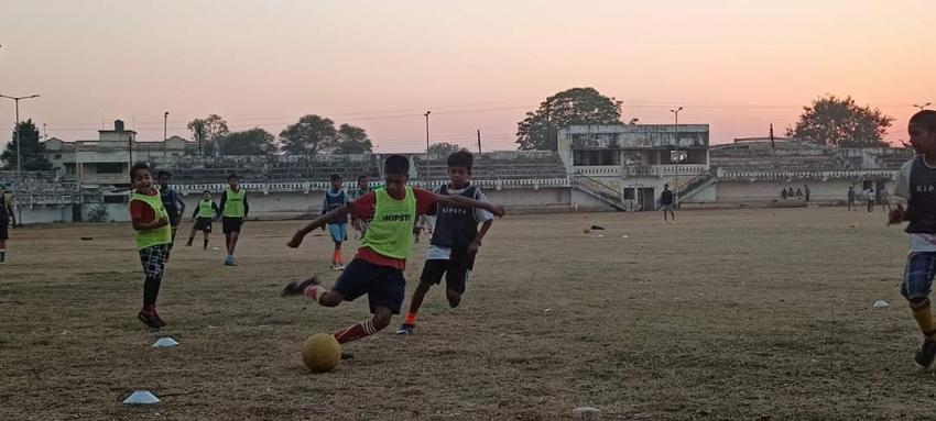 जगदलपुर में बनेगा सिंथेटिक फुटबॉल मैदान, केंद्र ने स्वीकृत किए पांच करोड़ रुपए