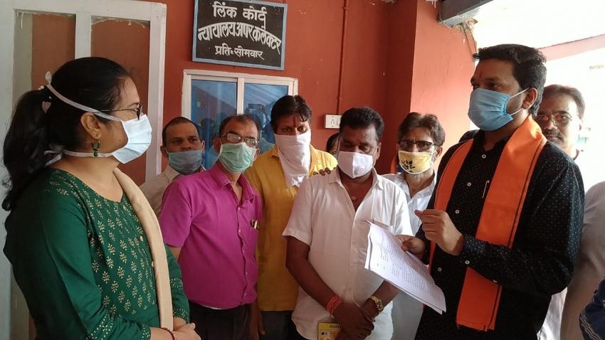Khairagarh: विक्रांत ने Congress पर साधा निशाना, पूछा- क्या जोगी कांग्रेस के नेतृत्व में चुनाव लडऩा चाहती है कांग्रेस?