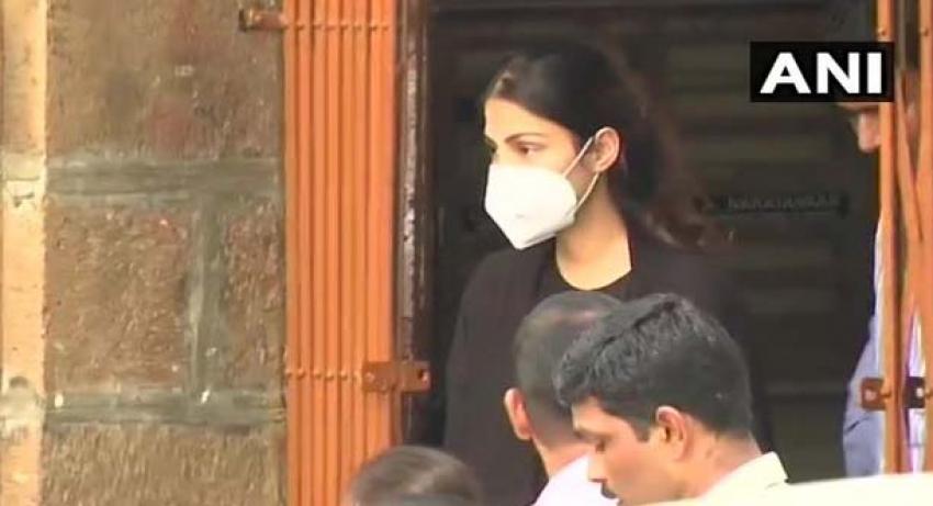 BREAKING: ड्रग्स मामले में रिया को मिली जमानत, जेल से हुई रिहा, NCB ने किया था गिरफ़्तार..