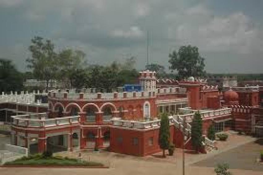 DGP व SP से लगाई गुहार, Khairagarh University के Registrar पर दर्ज करो FIR, झूठी सूचना गढ़ने का है आरोप